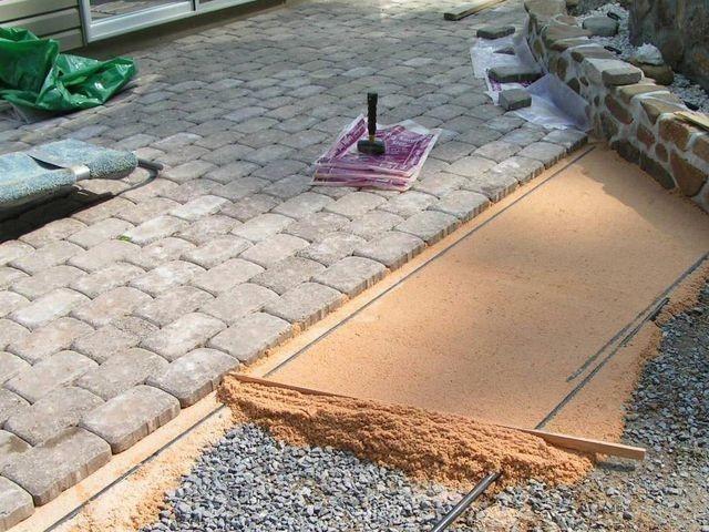 Песчано бетонная смесь для укладки тротуарной плитки добавление плиточного клея в цементный раствор для кладки