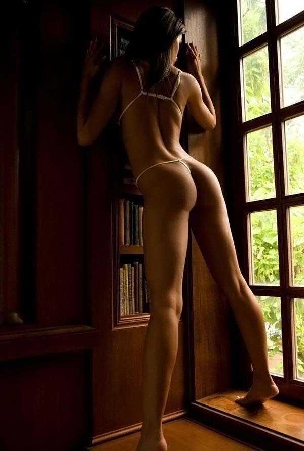 бритья эротическое фото стройные ножки ирина