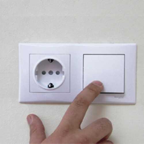 Как подключить совмещенную розетку с выключателем