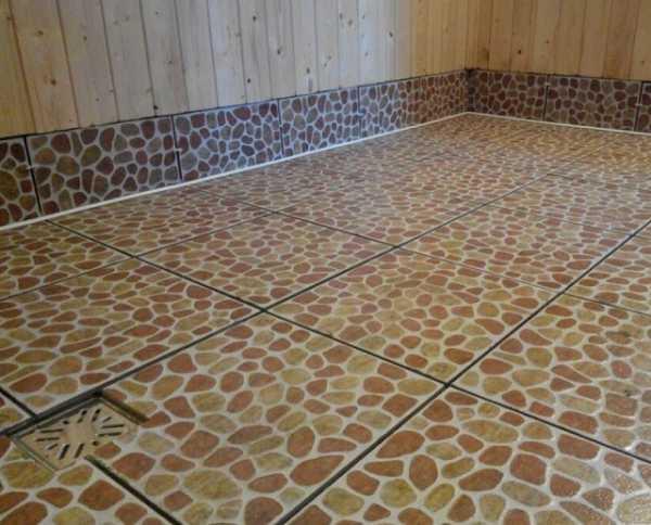 Воздействием повышенной влажности бетонного основания имеющейся устройства покрытия попавшей время
